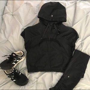 Lululemon Short Sleeve Black Hooded Windbreaker